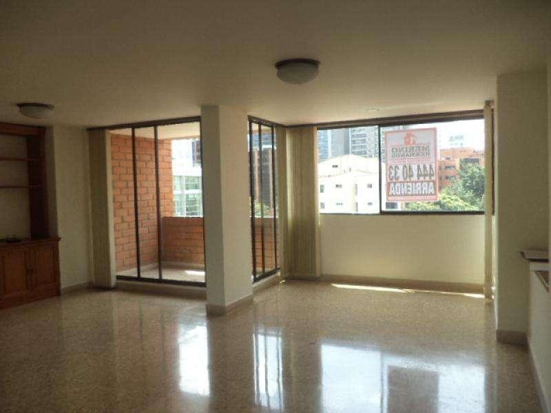 Apartamento En Arriendo En Medellin El Poblado Cod. ABMER197794
