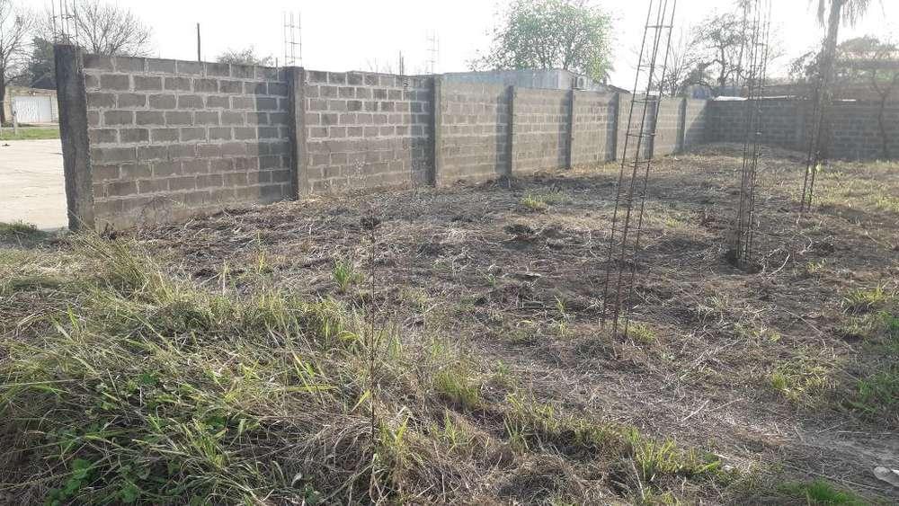 Terreno con Muros Perimetrales, 10x25