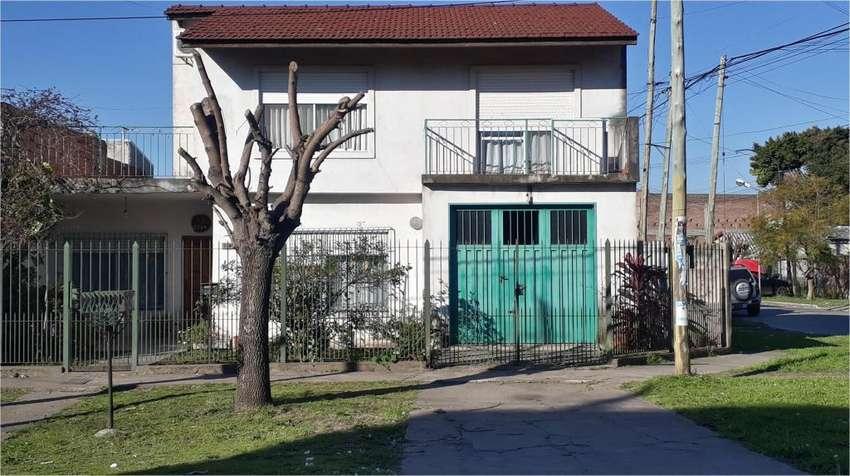 Venta Casa 4 Amb Con Escritorio Cochera Patio Y Terraza