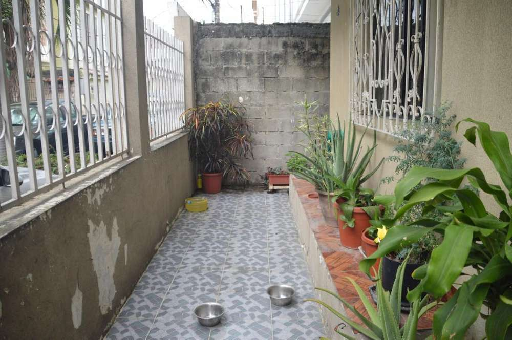 Venta Casa Rentera, Cdla. Simón Bolívar, Norte de Guayaquil