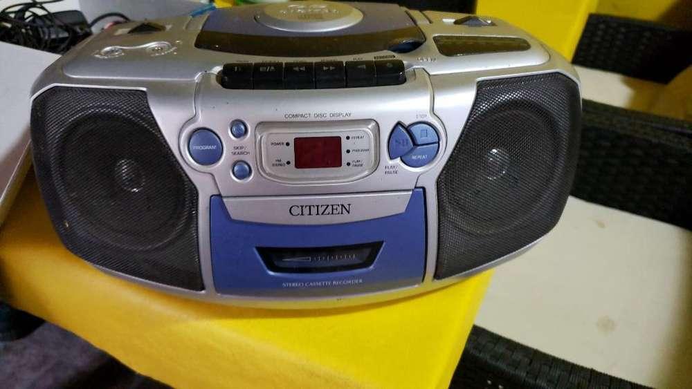 Radiograbador con Cd Y Cable Anda Perfec