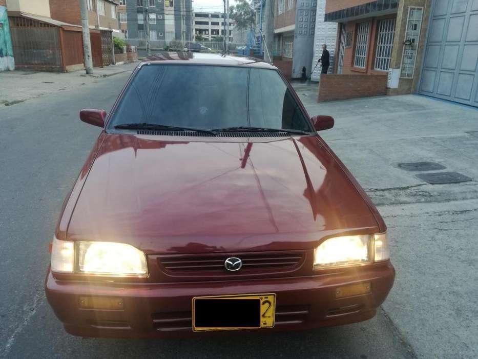 Mazda 323 1998 - 220000 km