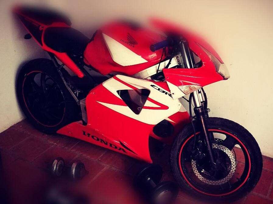 Vendo Moto Vfr 400