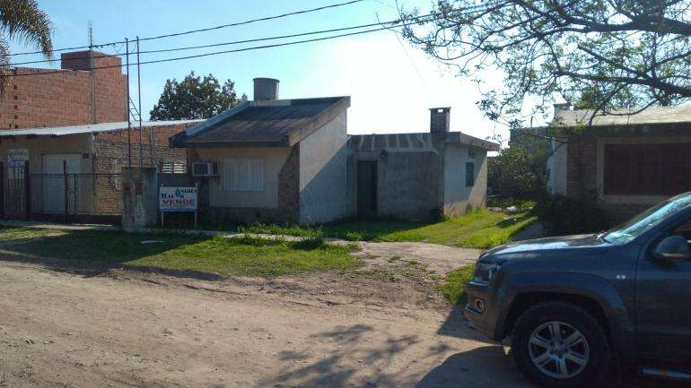 Casa con entrada lateral