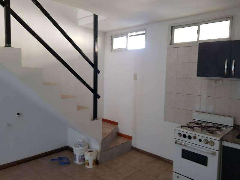 amplio duplex 55m2 externo, balcón
