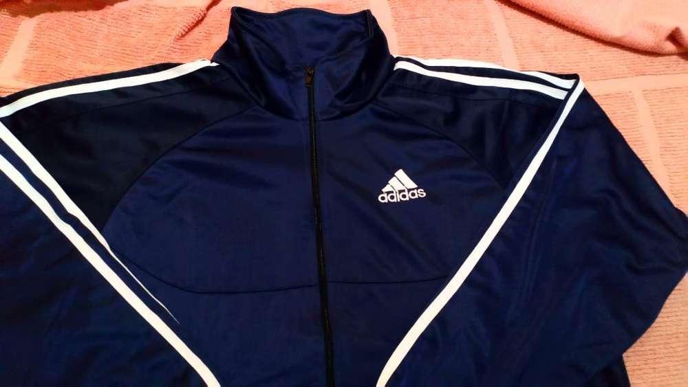 Venta de Campera Marca Adidas