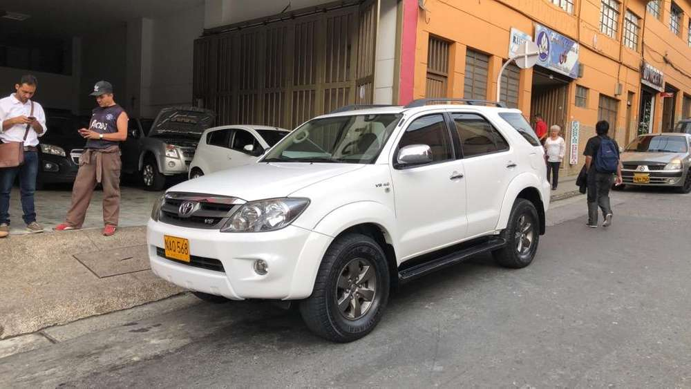 Toyota Fortuner 2008 - 127000 km
