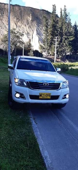 Toyota Hilux 2012 - 134000 km