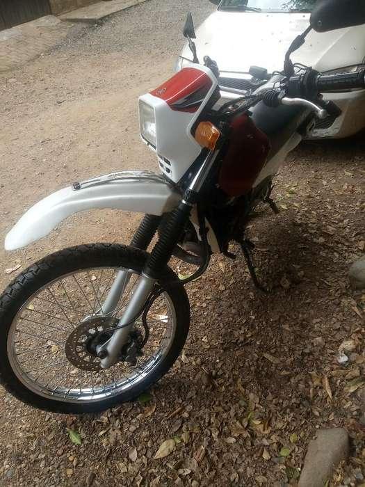 Vendo Moto Dt 125 Caleña