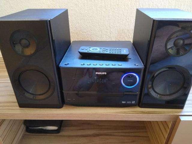 Vendo Microcomponente Phlips,150w potencia,Radio,MP3,CD,entrada USB,8/10pts