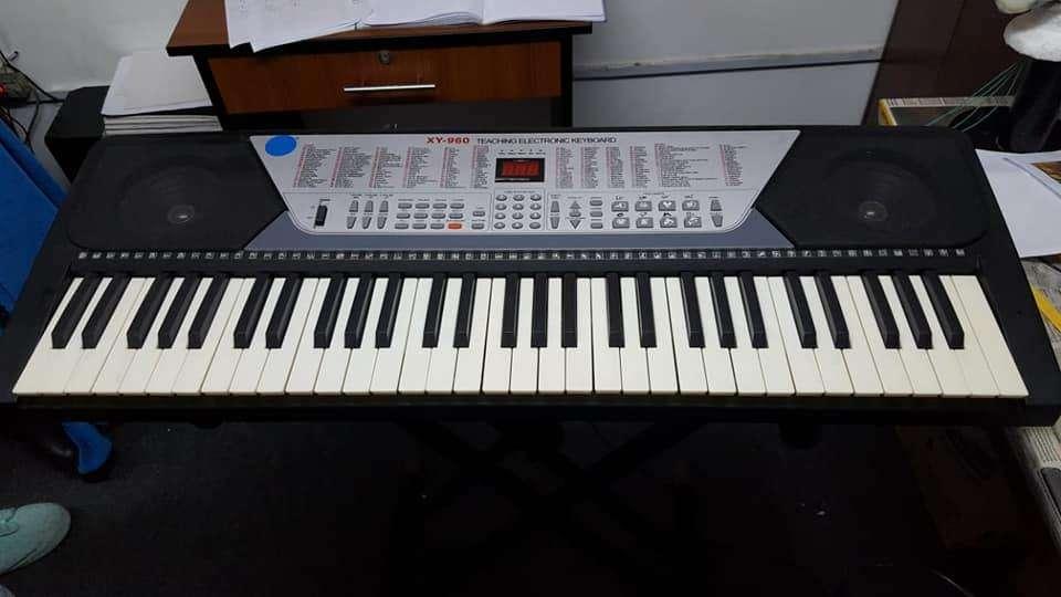 PIANO ELECTRONICO YAMAHA XY-960