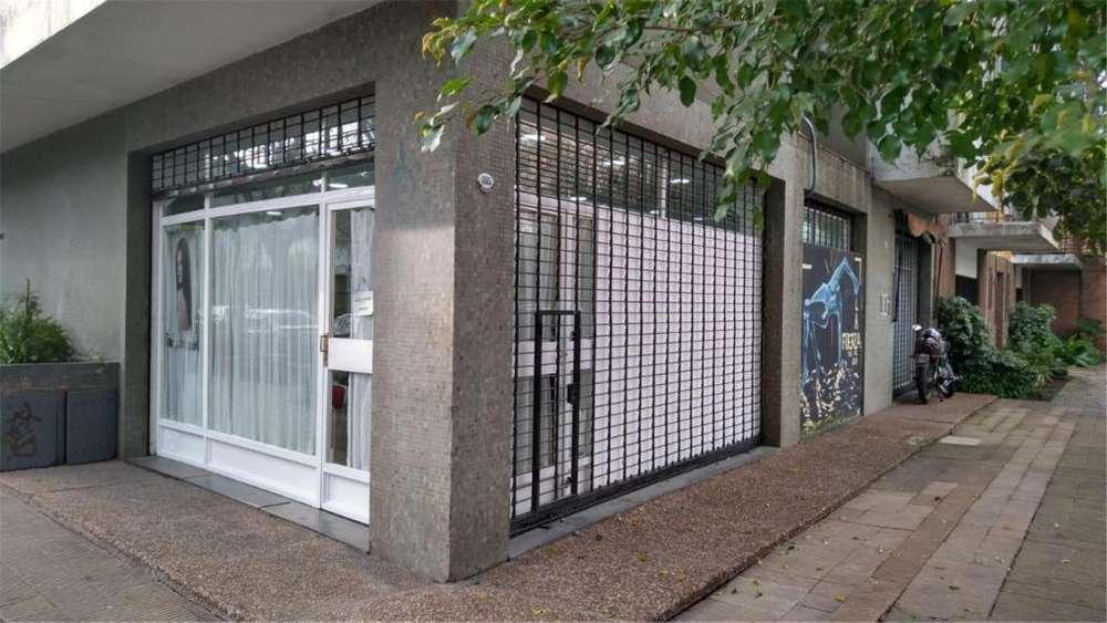 Rivadavia 1800 - UD 110.000 - Local Alquiler