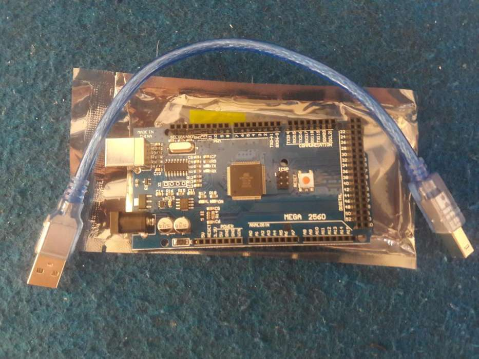 ***Nuevo*** Arduino Uno R3 y Arduino MEGA 2560.