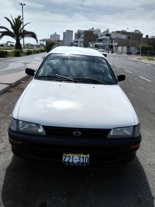 Toyota Corolla S 2001 - 15206 km