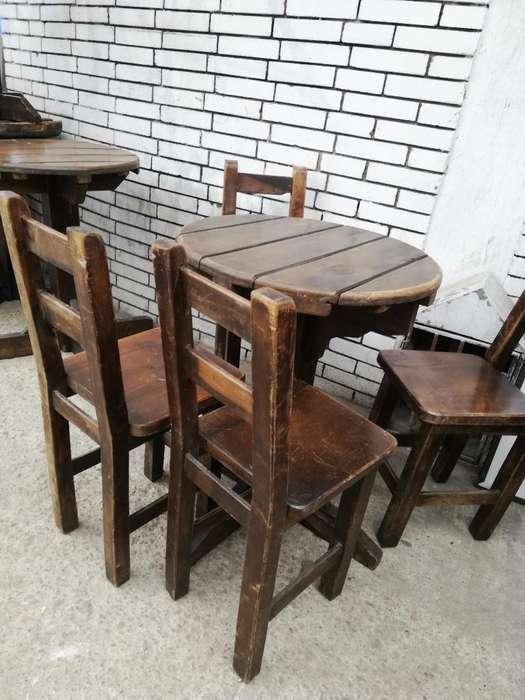 Mesas de Madera con 4 <strong>sillas</strong>