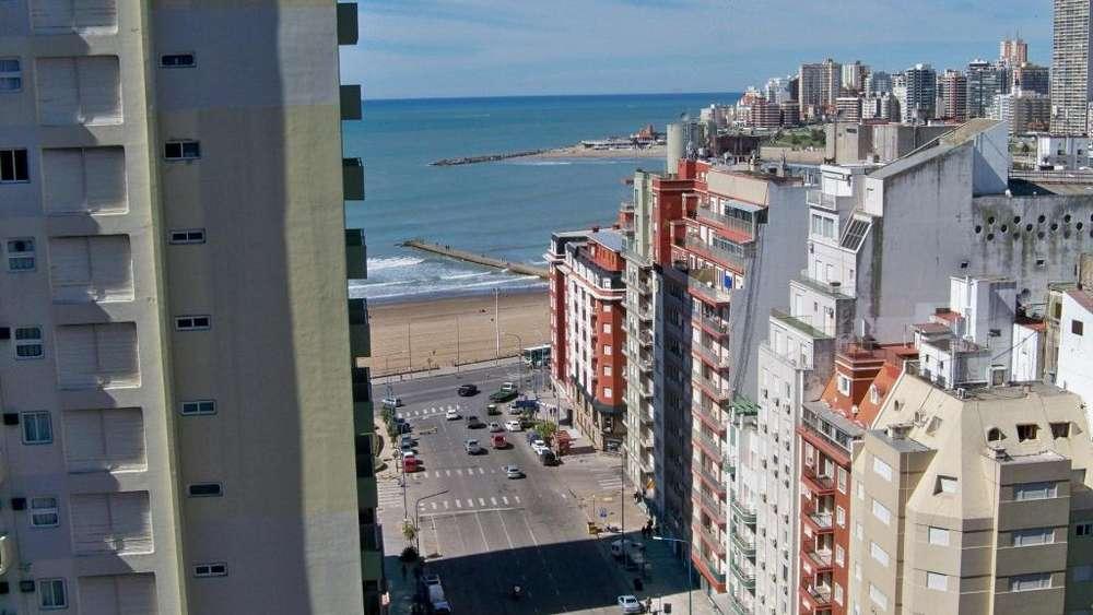 Venta departamento 3 ambientes con cochera y Vista lateral al Mar