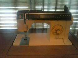 Máquina de Coser Singer 270