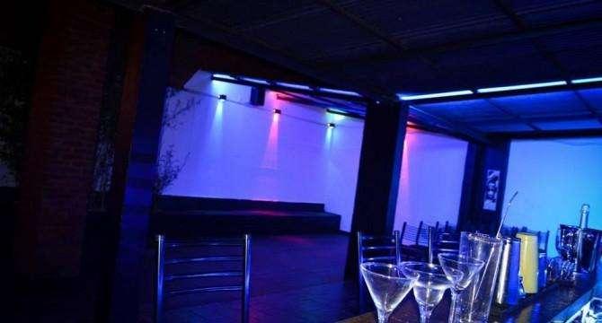 Bar Con Terraza Palermo Boliche Cena Show Karaoke Otros