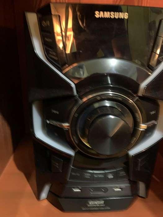 Samsung Giga Sound Blast