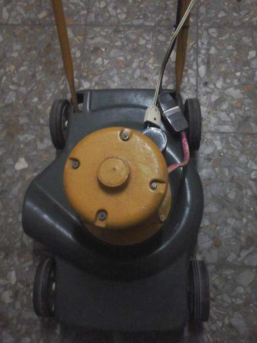 Maquina de Cortar Cesped..vendo permuto..bici -cel o equipo de audio