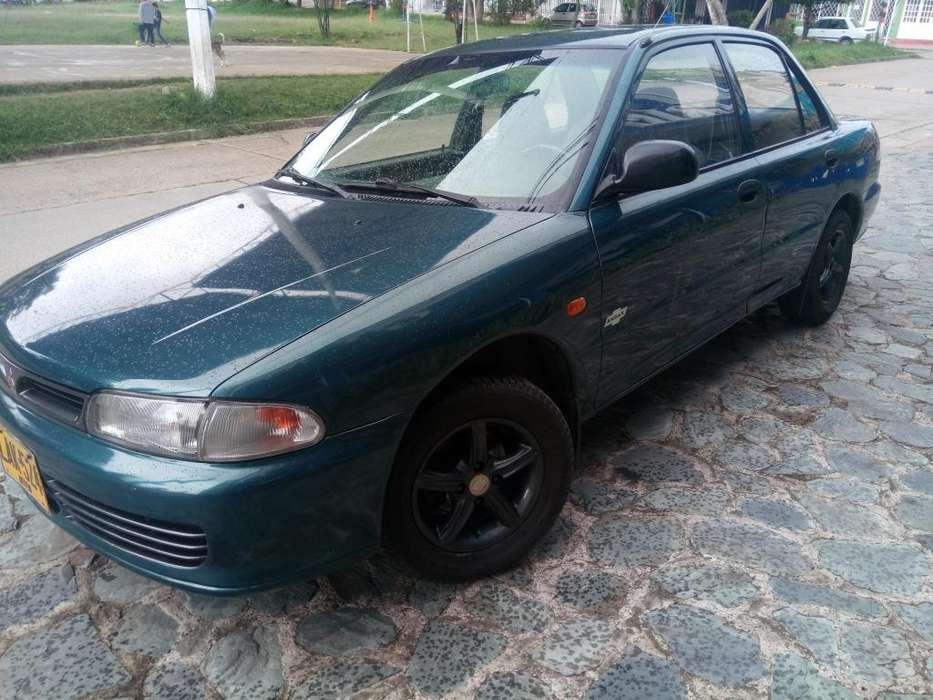 Mitsubishi Lancer 1995 - 9000 km