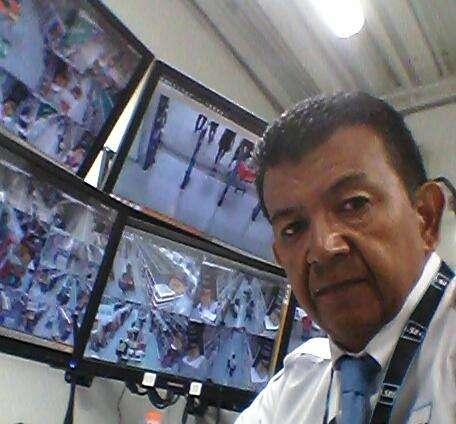 BUSCO TRABAJO COMO OPERADOR CCTV O SEGURIDAD PARA CONDOMINIO