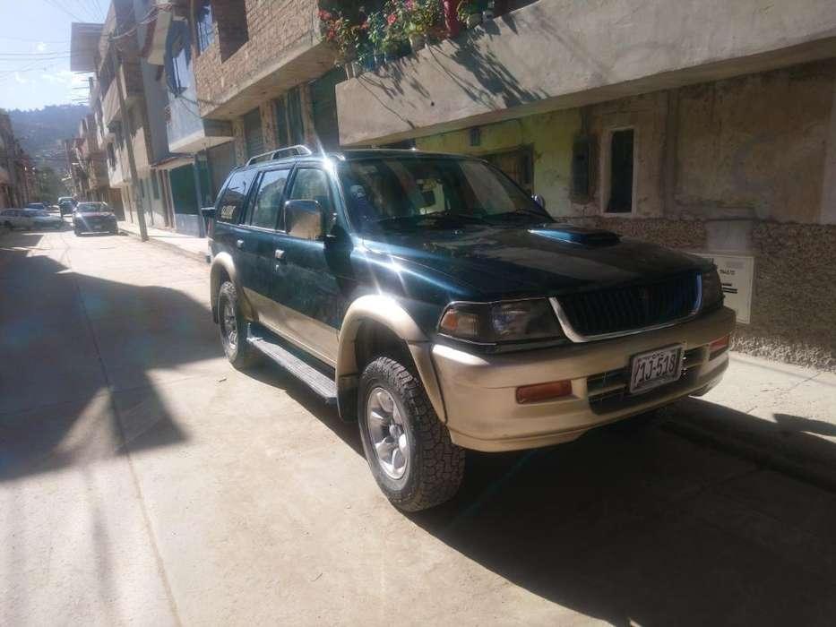 Mitsubishi Otro 1997 - 384000 km