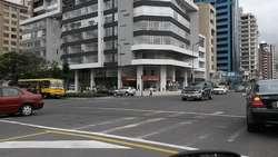 Vendo hermosa oficina Edif. Cosmopolitan Parc Av. Portugal y Av. De los Shyris