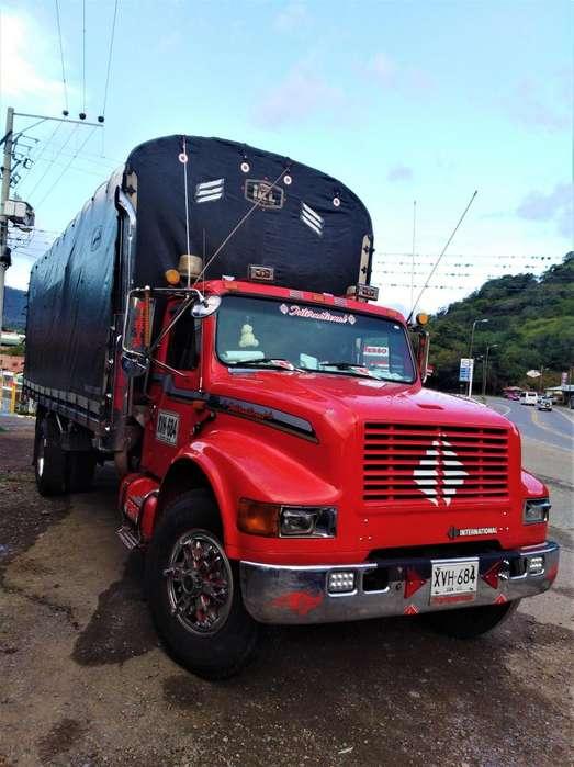 Camión Estacas International Modelo 93