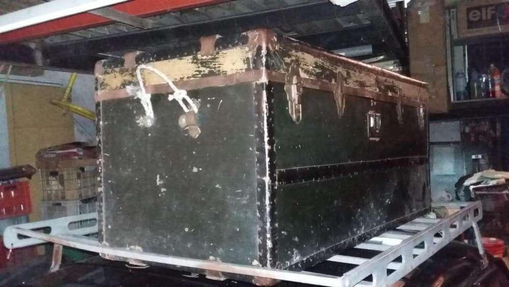 baul antiguo grande Liquido 1500