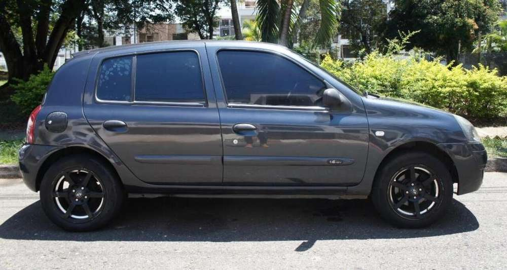 Renault Clio  2008 - 151289 km