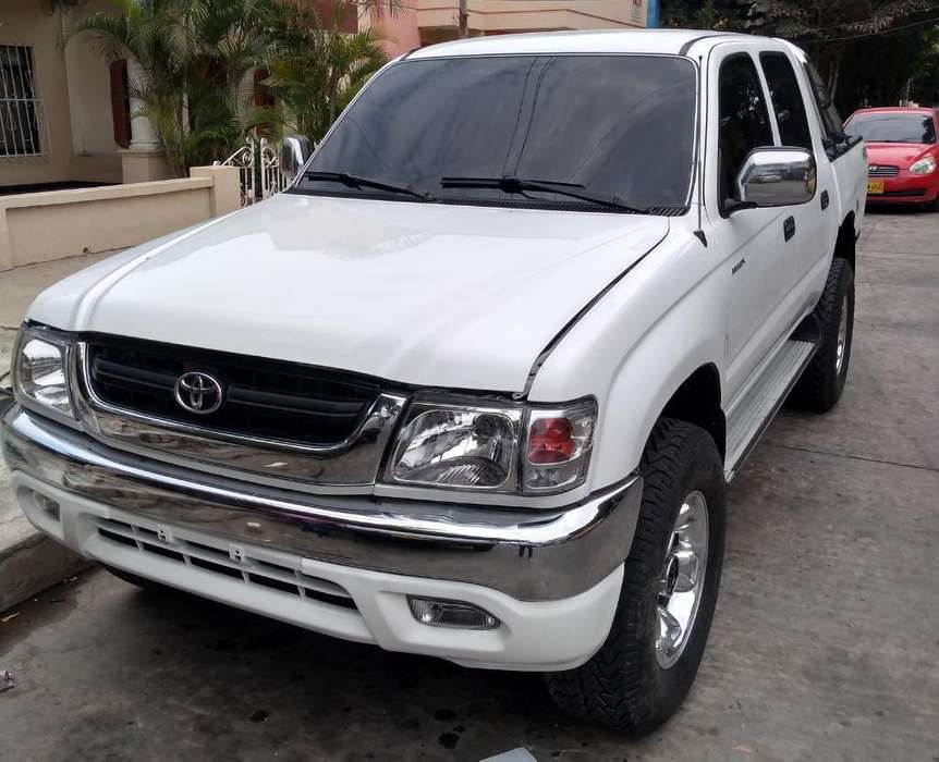 Toyota Hilux 2005 - 183000 km