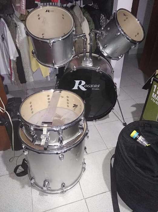 Batería Rogers Drums