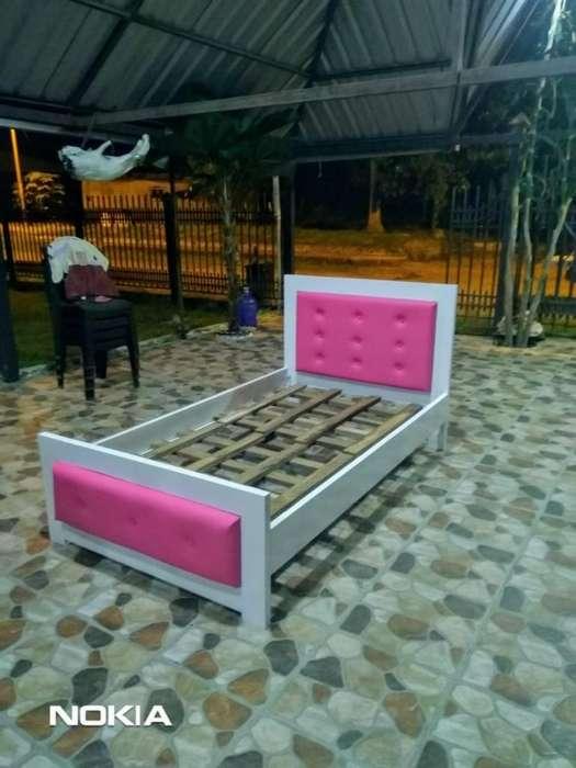 Se Vende Cama Nueva Y Muebles