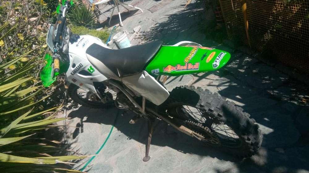 Moto <strong>kawasaki</strong> Klx 650