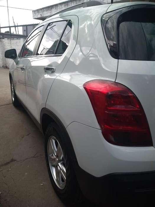 -Chevrolet Tracker LTZ año 2014 -Nafta/ GNC - 85.000 Km - Full,