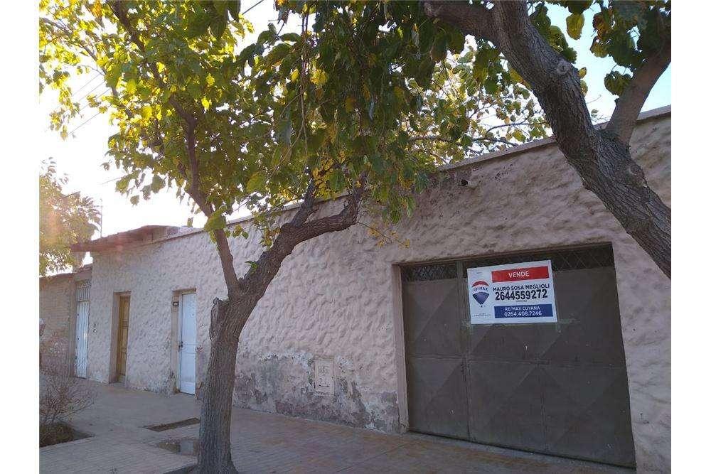 Casa a reciclar en calle San Lorenzo, Santa Lucia.