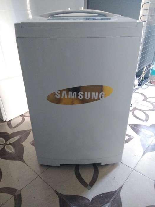 Lavadora Samsung de 25 Lbs