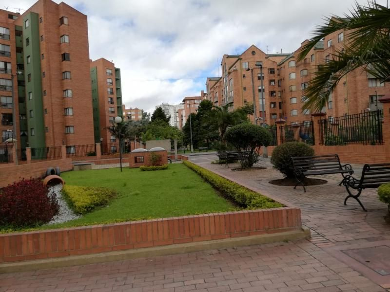 Apartamento En Venta En Bogota Ciudad Salitre Cod. VBAAV11184