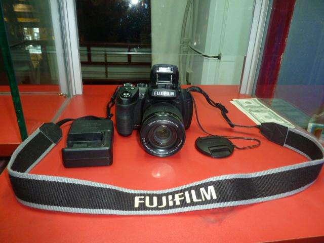 CAMARA Fujifilm FinePix HS30EXR - FULL HD prácticamente una réflex de 16 MP (Pantalla de 3