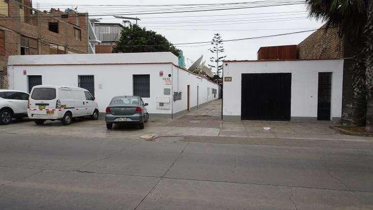 SE ALQUILA LOCAL COMERCIAL CON OFICINAS ADMINISTRATIVAS ZONIFICACION ZRE (ESPECIAL)
