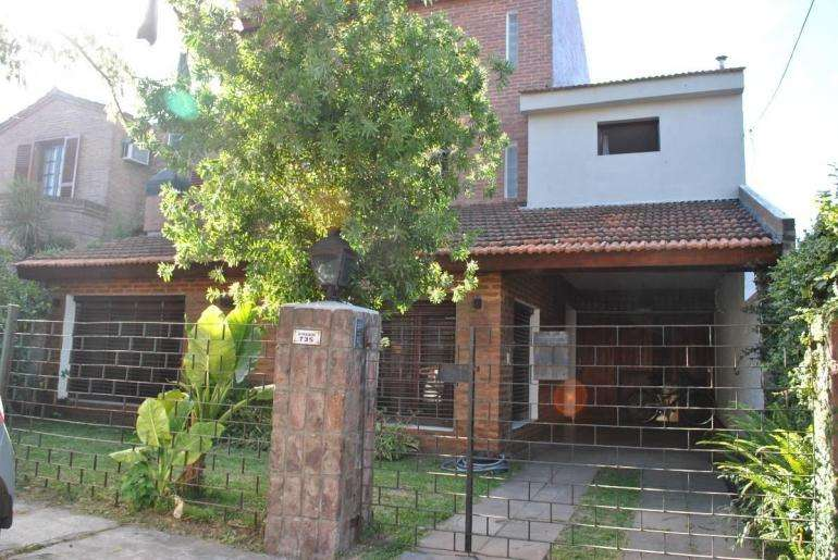 Casa en Barrio Santa Rita - Boulogne