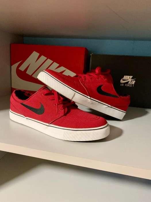 bdf2fa1da32 Nike SB Zoom Stefan Janoski Canvas -Red