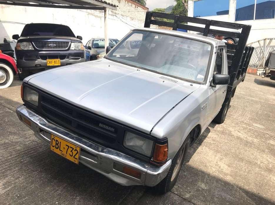 Nissan D-21 1994 - 160000 km