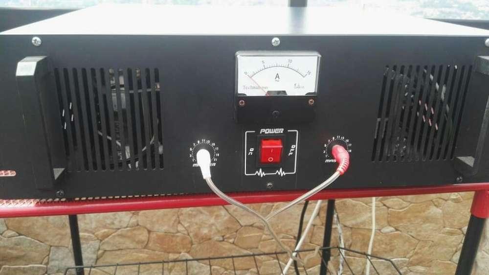 Vendo Transmisor de 300w con 2 Antenas