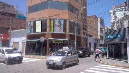 ALQUILO MODERNO LOCAL COMERCIAL DE 05 PISOS EN CENTRO DE CHICLAYO
