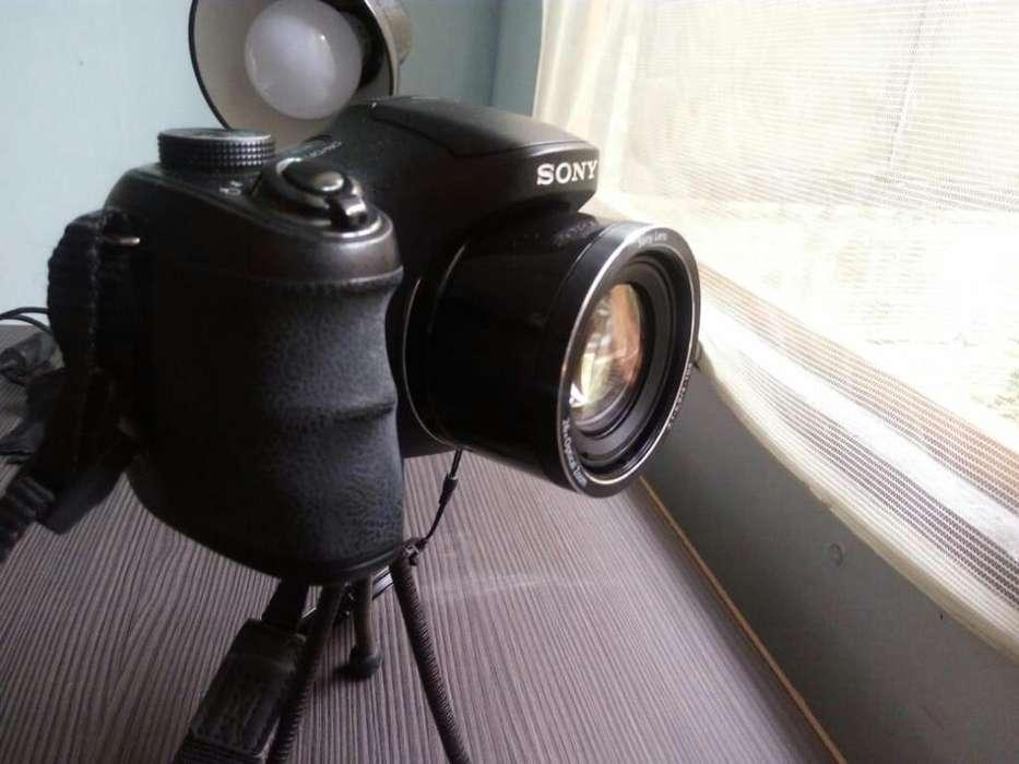 Sony Cybershot Dsc-h200 20.1mp
