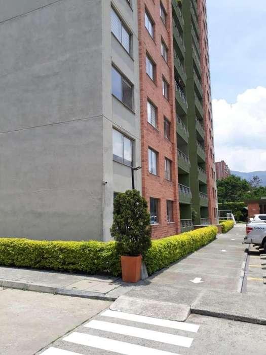 <strong>apartamento</strong> para la venta sector Loma de los Bernal 012