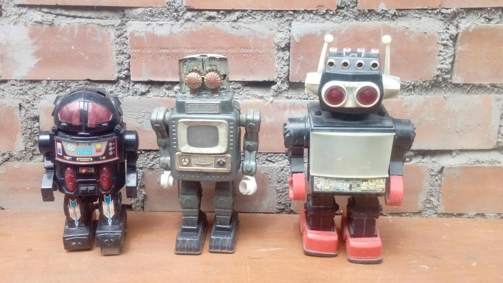 Antiguo robot