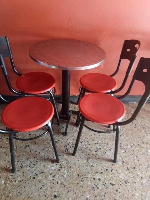 Vendo Juegos de Mesa con Las 4 <strong>silla</strong>s 90